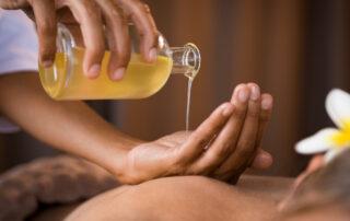 基底油用法:芳療按摩
